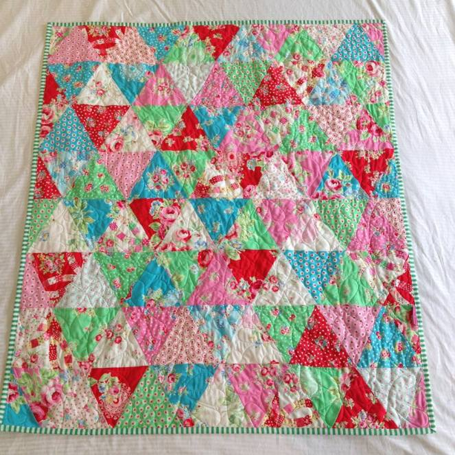 Lecien Triangle cot quilt